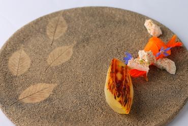 食感に香り、温度も楽しむ『海老とフロマージュブラン』