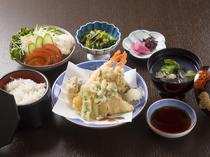 スタンダードな天ぷらが人気『天ぷら定食』