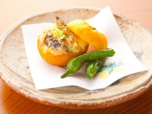 広島の特産品を生かした一皿『牡蠣の柚子釜味噌風味焼』