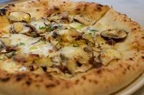 外はサクサク、中はふんわりとした食感『pizza』
