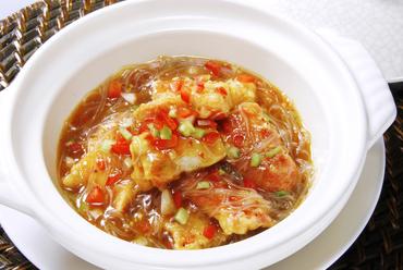 タラバ蟹と水晶春雨のサーチャジャン土鍋煮
