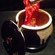 竹原産の峠下牛カルビを特製ヤンニョムで漬け込んだ無茶苦茶美味しい絶品焼肉です!ヤンニョンカルビ
