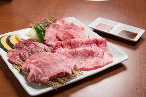 極上の食材をお値打ち価格で味わえる『特選盛り合わせ』