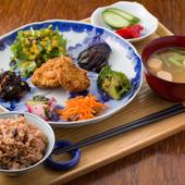 ご飯は酵素玄米! 野菜がたっぷり体に優しい『ベジプレート』