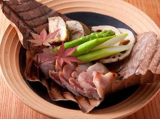自家製合せ味噌を使った『佐助豚の木ト葉焼き 季節の味噌添え』