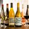 ワインが約100種類。自分だけのお気に入りの一杯を探すのも一興