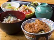 お蕎麦もソースカツ丼も食べたい!に応える一日限定20食のお得なセット。 (ミニソースカツ丼・椀そば・小鉢・香の物・ミニサラダ)
