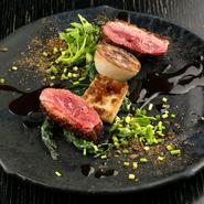 苦味と香りを持つ時季の野菜が主役。鴨の味わいの様々な魅力を引き出し、楽しめます。
