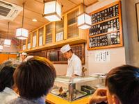 一人客でも気兼ねなく寿司を楽しめる雰囲気