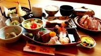小鉢2種、海鮮茶碗蒸し、サラダ、刺身、煮魚、揚物、蟹料理、ご飯、お汁、漬物が付きます。 ※蟹料理には本ずわいがにを使用
