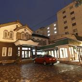 歴史的建造物に有田焼、非日常的な空間を満喫できます