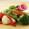 歯切れがよく、濃厚な味わいの野菜がメニューの基本です