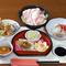 豊富にそろった秋田県産の日本酒。焼酎も人気