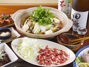 秋田でもなかなか食べられない鴨肉を使った『秋田産 鴨鍋』