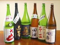 和の雰囲気の店内で 日本酒によく合う創作料理の数々