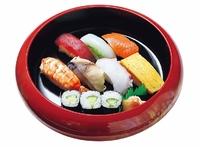 イカ、マグロ、サーモン、鯖、卵、蒸し海老、蛸、かっぱ巻き