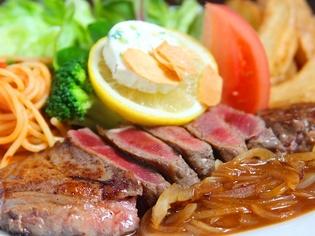 たっぷりと召し上がれ。厳選した良質なお肉を提供しています