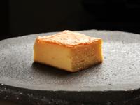 デザートにも。甘鯛のすり身を合わせた品のある甘さの『玉子』