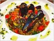 魚介の旨みたっぷりのスープでスペイン風の雑炊に。
