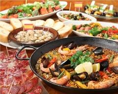 エルマンボの美味しいが詰まった満足コース!但馬牛など厳選肉の薪火ステーキや、大鍋パエリヤ!