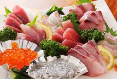 各種ご宴会にオススメ!!旬のお魚をメインとするお料理7品と3時間飲み放題付のご宴会コースですっ!!