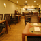 落ち着いた空間で、会話とお料理・お飲み物をお楽しみください。