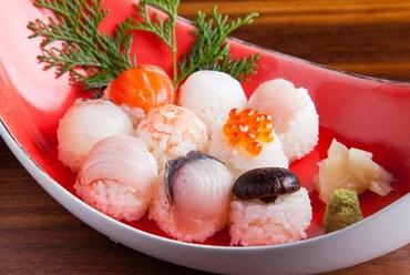 旬の鮮魚と季節の野菜でつくる可憐な『手まり寿司ランチ』