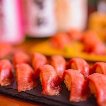 愛され続ける極上の醤油ダレで味わう「生もつ鍋」コース 4000円