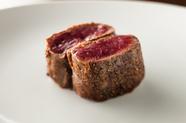 シンプルに肉の旨みを堪能する『エゾ鹿のソテー』