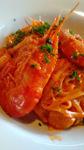 (トマトクリーム 有頭エビ 玉ねぎ チーズ) エビの殻や頭からでる出汁をしっかりとトマトクリームに溶かし込んだ濃いコクのスパゲティです。