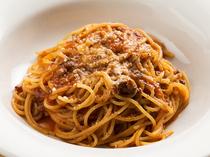 親しみやすい素朴な味の『ゴキゲン!! ミートソース スパゲティ』