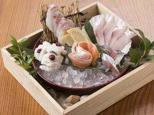 魚市場よりこだわりを持って厳選した「新鮮な魚介類」