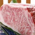土佐和牛のすき焼き(並)と、高知名物が楽しめる贅沢なコースです。