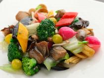 ビタミンカラーたっぷりの『野菜炒め』は女性に人気