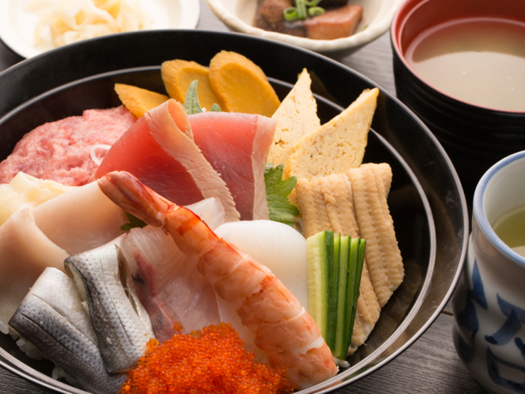 銀座沼津港の海鮮丼