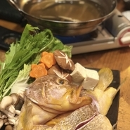 新鮮な魚を毎日仕入れる。だからできる鮮魚のしゃぶしゃぶ鍋!!博多もつ鍋もいいですが、カロリー控えめな鮮魚鍋は、その日によってしゃぶしゃぶできるお魚が違います、ぜひ、店頭で!お電話でご注文下さい!!