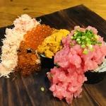 贅沢なネタをふんだんに使った香家特製の巻き寿司。ご飯物はしめに頂きがちですが、ぜひ、ネタがなくなってしまう前にぜひ!