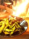 本格炭火の強火で焼き上げる為、ここでしか食べれないやみつきになる枝豆です。
