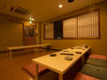 3階と4階は大小宴会ができる広々とした座敷。各階お手洗い完備。