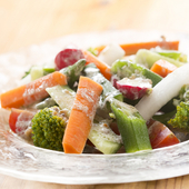 アンチョビソースが香る『野菜のバーニャカウダソース』