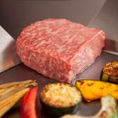 質の高い肉をシンプルなステーキで味わう、鉄板焼の醍醐味
