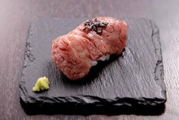 黒毛和牛A5ランク炙り寿司