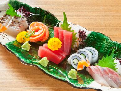 新鮮な地物の魚をお刺身で堪能『旬の造り五点盛り』
