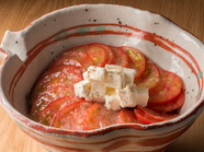 糖度が違う『浜松シュクレトマトとクリームチーズのサラダ』