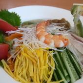 エビやイカの海鮮たっぷり『海鮮刀削麺』