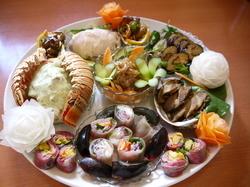 当店に、「これが食べたい!!」と伝えるだけで、シェフが季節に合わせた料理を提供いたします。