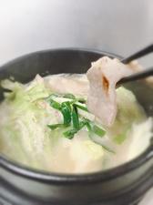旨味が浸み込んだ豆腐と軟骨が美味。『あばら煮』