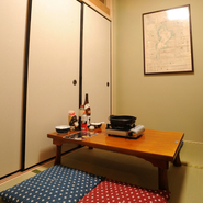 少人数用の個室も完備されており、豪華なお料理を囲んで会話も楽しみたい、気の合う仲間とのひとときにおすすめのお部屋です。グルメな「女子会」が満喫できます。