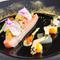 彩りと食感が楽める『サーモンのティエド 野菜のマリネソース』