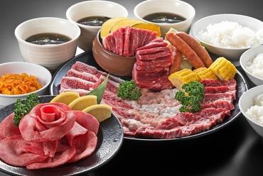上質なお肉がたっぷり、しかもサラダやサイドメニューも充実!